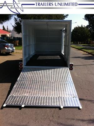 TRAILERS UNLIMITED ENCLOSED CAR TRAILERS. DOUBLE AXLE.