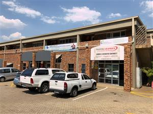 SHOWROOM / WAREHOUSE TO LET IN HIGHVELD, CENTURION, WITH RETAIL POSSIBILITIES!