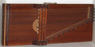 autoharp zither (homemade antique)