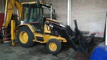URGENT SALE!  2003 CAT 424D TLB