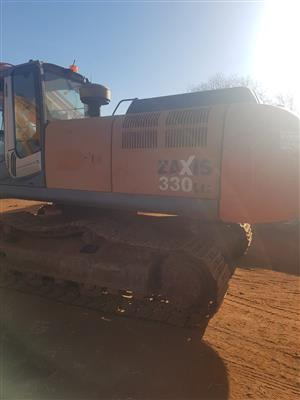 Hitachi ZX330 stripping for spares