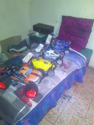 4× RC petrol cars