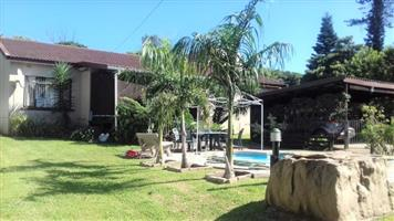 3 Bedroom House with Swimming Pool for sale in Port Edward