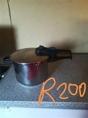 Steaming pot for sale