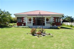 VOLKSRUST - MPUMALANGA RENOVATED HOUSE FOR SALE