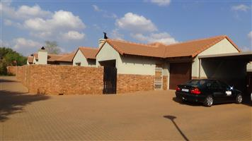 3 Bedroom house in Security Complex – R 1 160 000