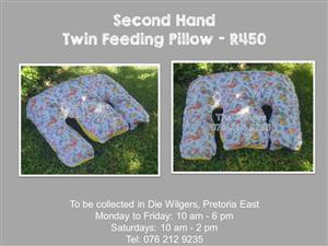 Second Hand Twin Feeding Pillow