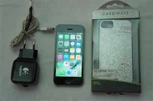 Apple iphone 5 16gb with New Battery and new Cover