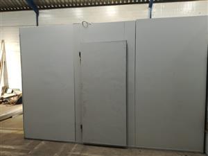Freezer Room: B-Grade 2.250m x 3.6m x 2.4m
