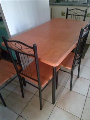 4 Seater wooden kitchen set for sale