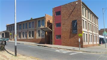 2 bed Flat to let in Krugersdorp, Luipaard Street Recently redone