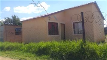 712ef34322cb TWO BEDROOM HOUSE IN ORANGE FARM EXT 3 FOR R165K. CASH BUYER ONLY!