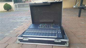 Soundcraft SI24 with flightcase and lamp