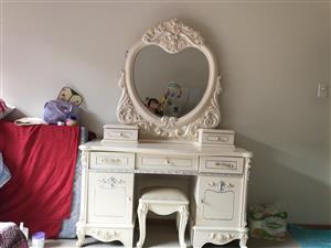 Beautiful dressing table for sale