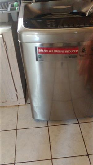 LG Fully Automatic Toploader Washing Machine