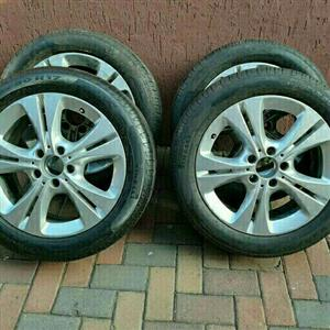 MERCEDES C CLASS 17 B/NEW R/FLAT TYRES & MAGS
