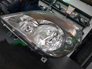 MERCEDES BENZ W 906 SPRINTER FRONT HEADLIGHT ON SELL