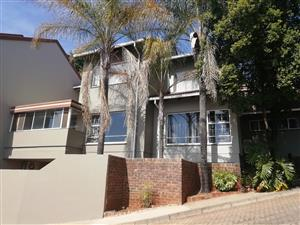 Bargain of the year Townhouse for sale!