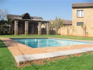 2 Bedroom Townhouse To Let in BlueBerry, Olympus