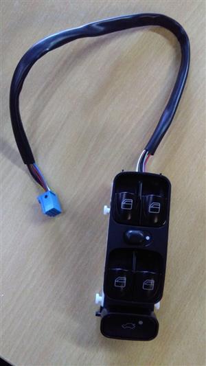 Window Lifter Switch - W203