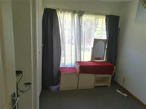 room for rent in complex in boskruin