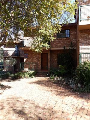 Pretoria East / Meyers Park. Lovely private garden cottage