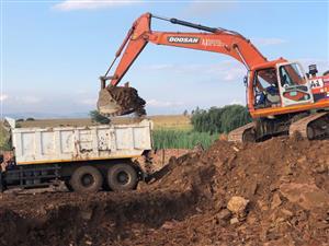 earth moving training in tower crane,grader,bob cat,tlb dump truck  call dinny 0784776516