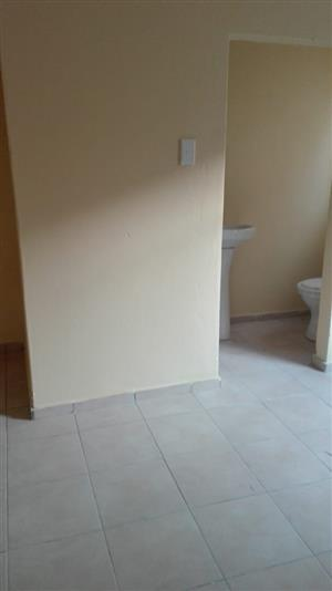 Cottage room to rent