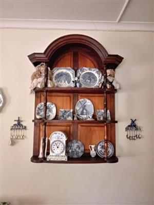 Wooden wall mounted shelf