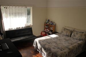 rondebosch room to let from september