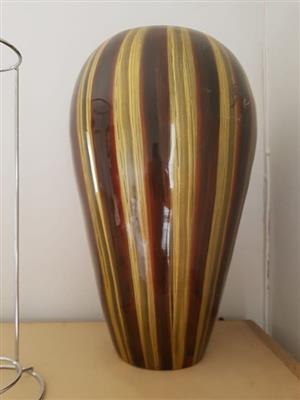 Blompot 40cm hoog ( merk op eenkant)