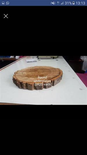 Round wooden underplates