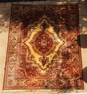 Beautiful Persian Style Carpet/Rug
