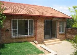 Elardus Park, 2 Bedroom, 1 Bathroom, Private Garden, 24 hour security complex, R6800.00 0845723440 (whatsapp if not answering)