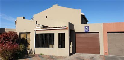 4 Bedroom House For Sale in Belhar