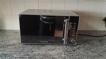 selling my Microwave, still in very good condition