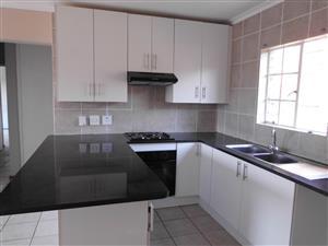 3 Bedrooms 2 Bathrooms - Ground Floor - Private Garden - R9 000