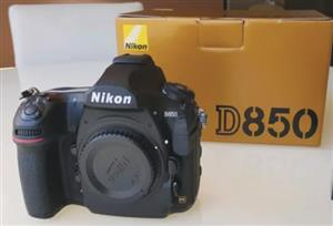 Nikon D850 plus spare original Nikon battery mint condition