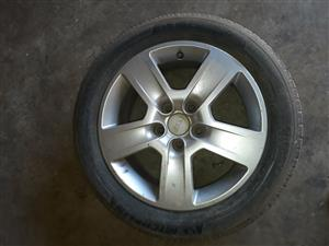 I'm selling an audi A4 16' mags with tyres * 4