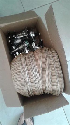 11X baskets, 5X dispensing bottle taps