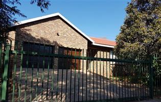 House to rent - Silverton Ridge