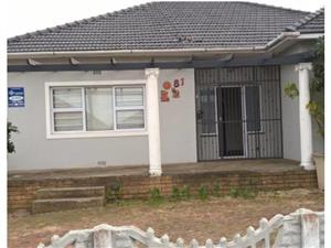 3 Bedroom House for Sale in Avondale,Parow East