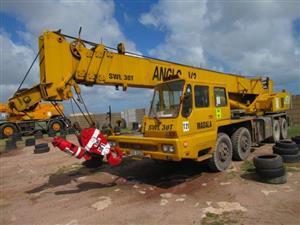 Tadano TL-300E, 30 Ton Mobile Crane