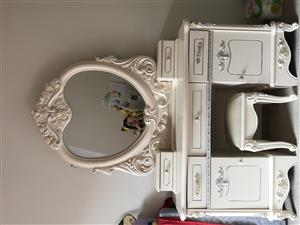 Dressing table for sale in a very good condition