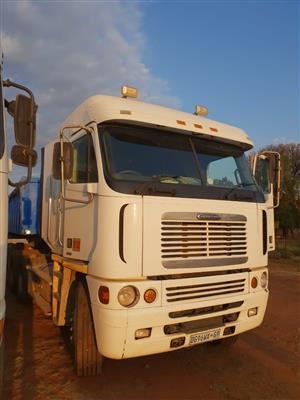 freightliner Argosy 500hp ,hydraulics
