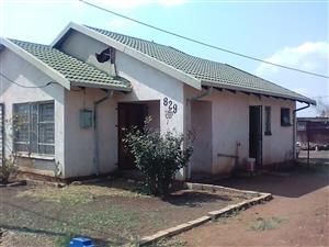 2 bedrooms house for sale Soshanguve A R270 000.00 call QUINTON 0723325794 / 0727030569 / 0127000100 for more info