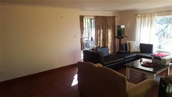 Beautiful 2 Bedroom, 2 Bathroom on Smallholding Mnandi, Centurion