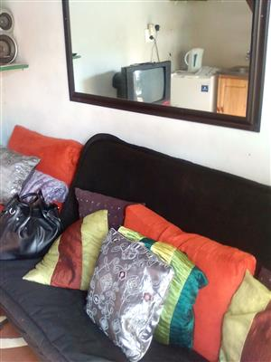 A stunning fully furnished outbuilding in an area marrianridge, pinetown