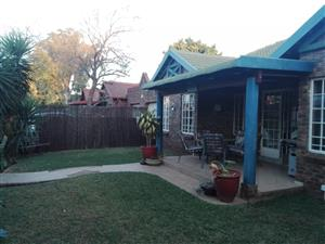 Eunique and Spacious 3 Bedroom, 2 Bathroom Family home to rent in Doornpoort! DO NOT MISS OUT!!!