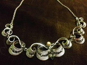 Ladies necklace for sale